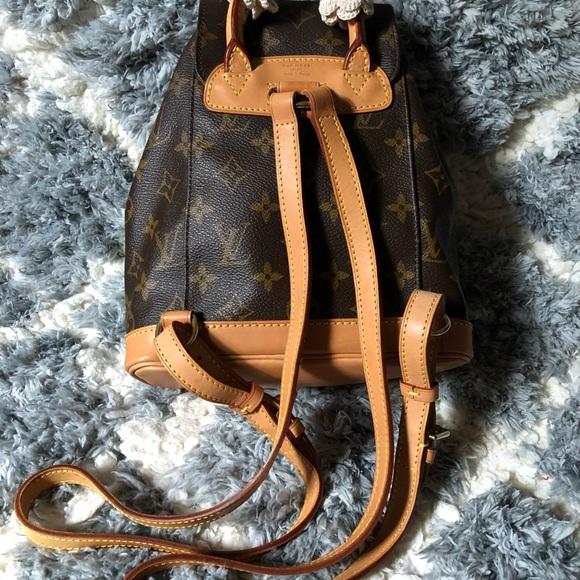 09151b1f47e8 LV backpack Monogram Montsouris PM